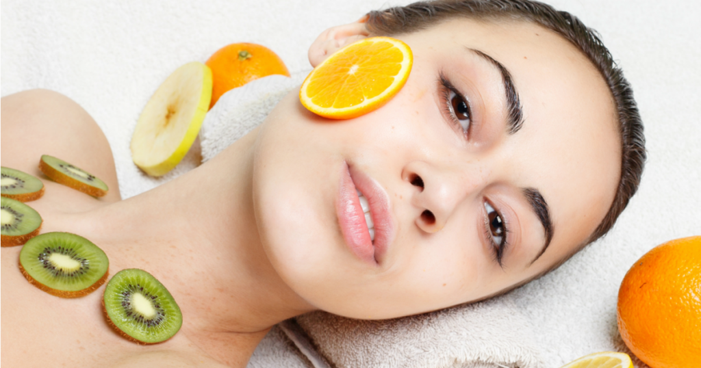 7 Natural Ways To Keep Your Skin Young