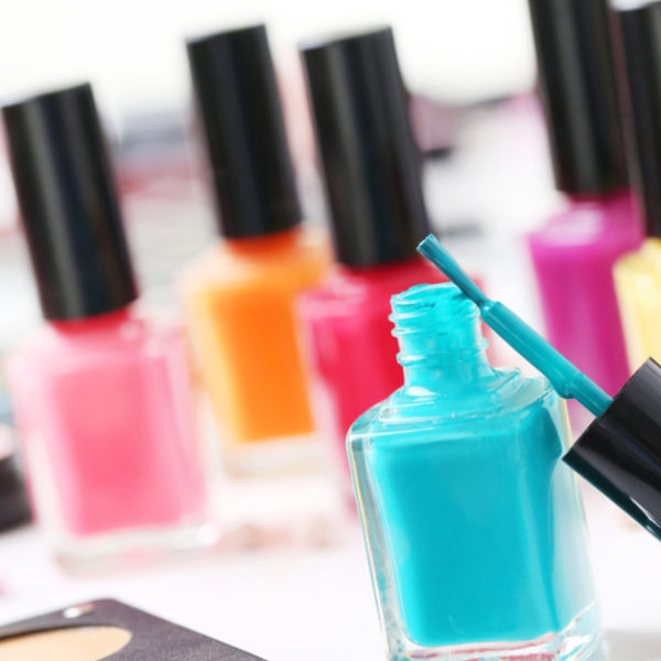 5 Non-Toxic Nail Polish Options (EWG Safe Brands)